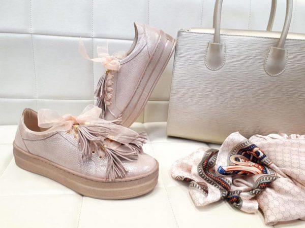 sneakersy perłowy róż